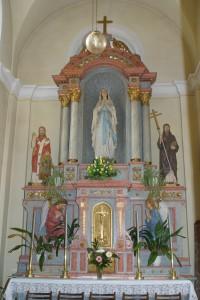 Oltář boční kaple kostela